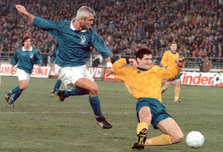 Футболка на Євро: Еволюція форми збірної України від 90-х до сьогодні - фото 3
